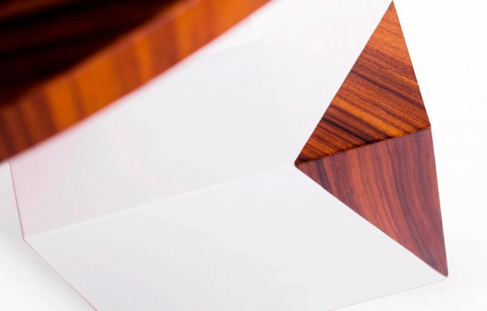 Equilibrium white table by Amarist studio