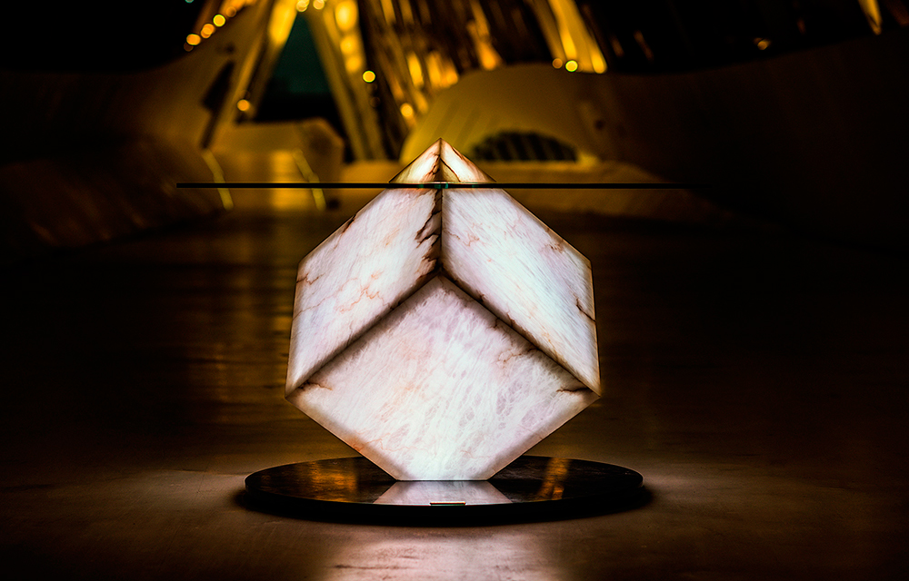 Mesa-iluminada-blanco-pabellon-puente-Zaha-Hadid