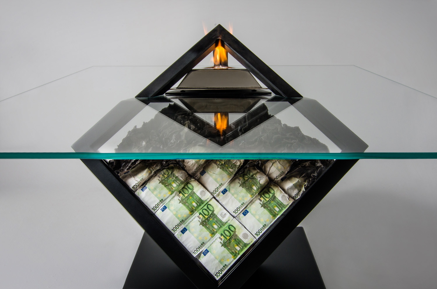 Table of money , sculpture table III by Amarist studio.