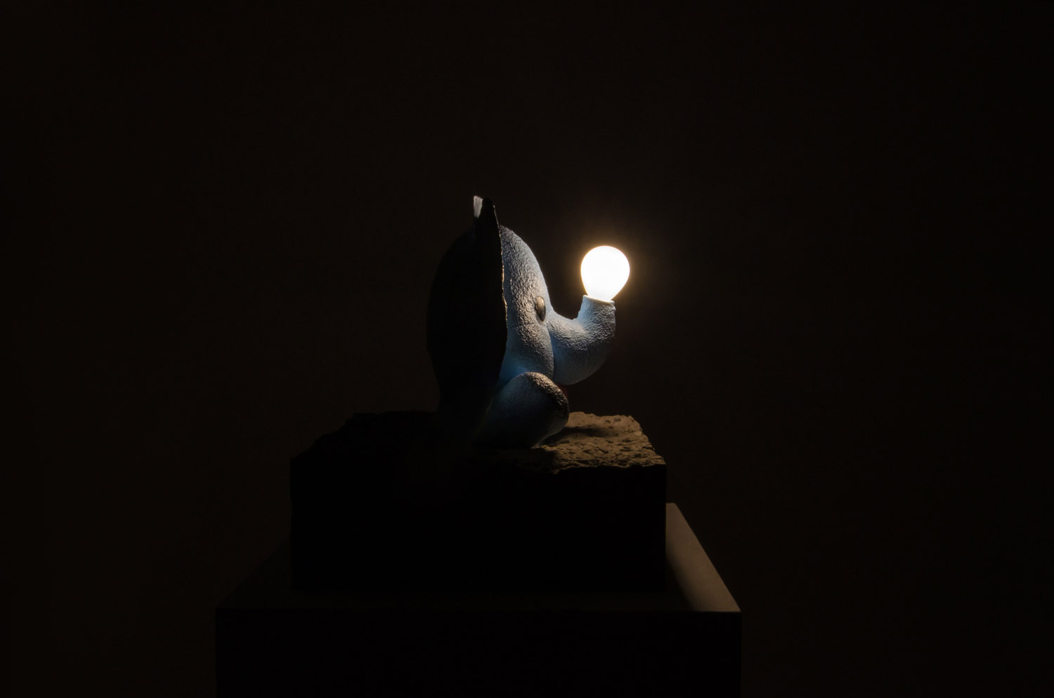 Dumbo Lamp sculpture by Amarist Studio