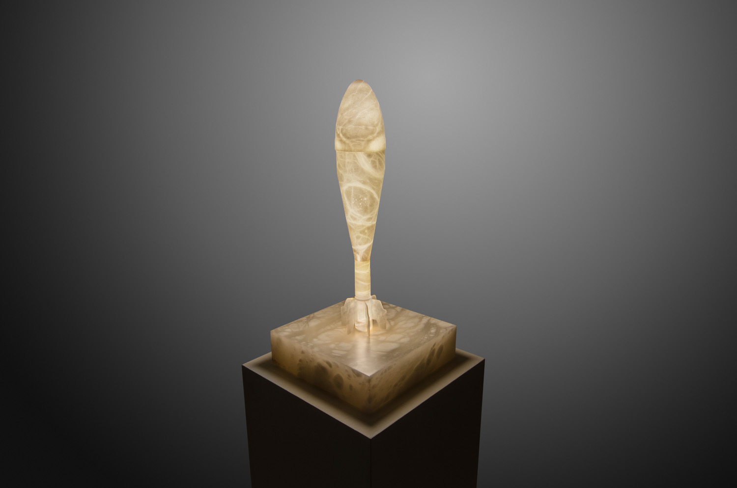 Alabaster sculpture light by Amarist studio.